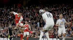 Arsenal Tundukkan Sunderland 2-0
